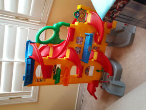 Perfect condition Fisher Price Little People oversized car ramp