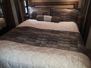 New Bedspread and Pillow shams for Queen Bed