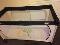 Hauck travel cot Winnie the Pooh design