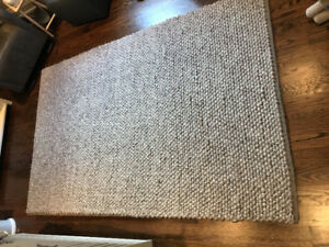 Crate and barrel Yvonne Rug 5x8