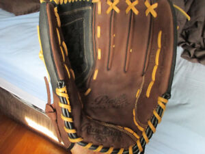 "Rawlings Player Preferred 14"" leather baseball glove"