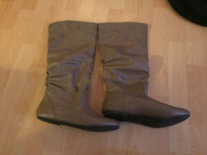 Brown boots size 8.5