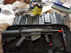 MilSig M17 CQC Paint Ball Gun with Mask