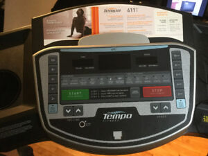 Tapis roulant marque Tempo Fitness 611T