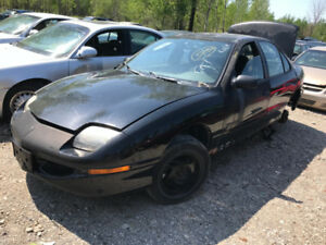 1998 Pontiac Sunfire ** FOR PARTS ** INSIDE & OUTSIDE **