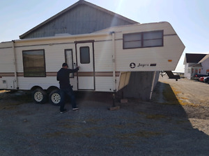 1988 jayco 24.5 foot fifth wheel