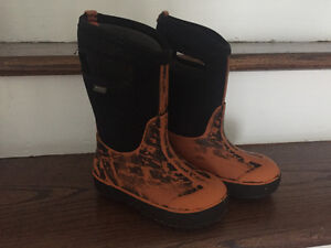 BOGS WiNTER BOOTS SIZE 11