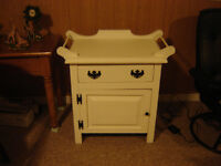 WHITE CHALK PAINTED WASHSTAND