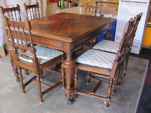 LATE 1800's SOLID OAK DINING ROOM TABLE & 6 CHAIRS Prince George British Columbia image 8