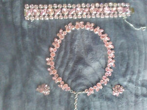 VINTAGE SIGNED SHERMAN PINK CRYSTAL PARURE CIRCA 1950'S!!!