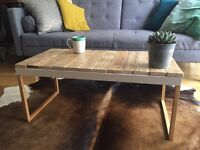Reclaimed Pallet Wood Coffee Table