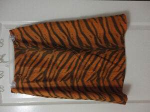 Women's animal print pencil skirt Size 8 New with tags London Ontario image 2