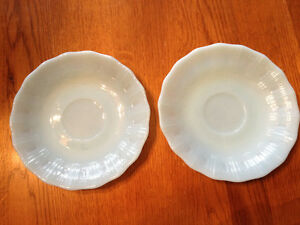 PYREX DELPHITE BLUE PIECRUST 3 CUPS, 2 SAUCERS London Ontario image 3
