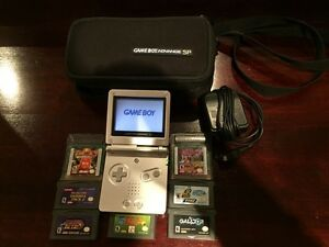 Game boy advance SP West Island Greater Montréal image 1