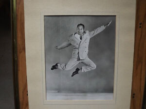"""FS: """"Ice Cycles Of 1952"""" (Ice Capades) Figure Skating Signed Pho London Ontario image 2"""