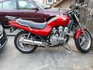 Honda CB750 Nighthawk-$2500