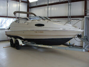 2000 Regal model 2150 Cuddy Powerboat