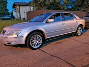 Luxury Volkswagen Phaeton AWD V8 for trade