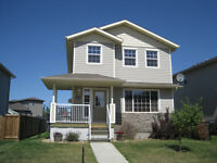 Great Single Family Home in Valleyview under 330k in Camrose!
