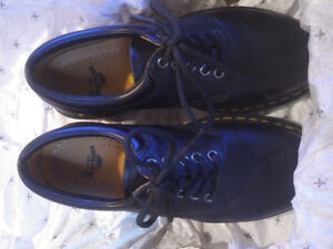 Brand New In the Box - Dr Martens AirWair Black Shoes - UK 7
