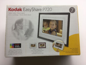 BNIB Kodak EasyShare P720 Digital Photo Frame