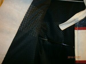 CUSTOM MADE LEATHER SUIT FOR RACING  OR MOTOR CYCLE London Ontario image 4