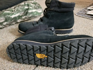 Unworn North face winter boots