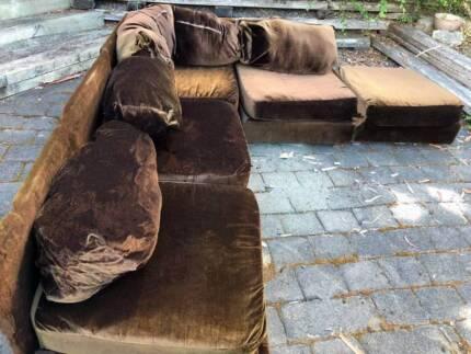 Modular sofa, free to take