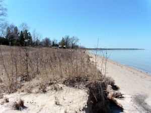 Ipperwash Beach #3 Bedroom only 500' from Lake