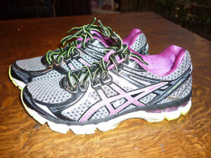 New ASICS GT2000 womens running shoes 60.00 obo