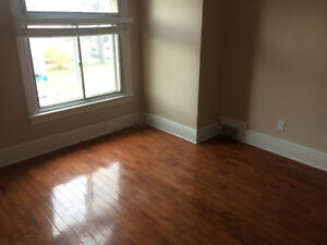 BEAUTIFUL 2 BDRM + DEN APARTMENT DOWNTOWN KINGSTON