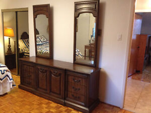 Mobilier De Chambre *** Bedroom Set