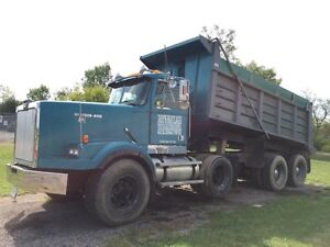 1990 western star well maintained!!