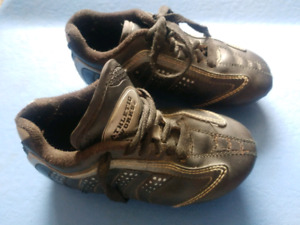 Athletic Works youth size 10 cleats