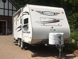 Immaculate 18 foot 5-berth Travel Trailer