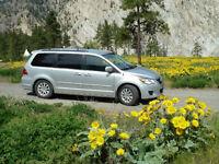 2012 Volkswagen Routan Comfortline Minivan, Van
