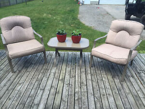 patio set with cushion and table