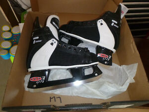 hockey skates size 7 & 12 Brand new ccm tacks