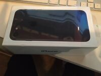 Apple IPhone 7 black 32gb on EE brand new £550