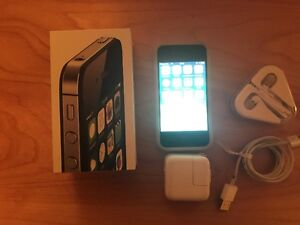 iPhone 4S 8GB  white Rogers