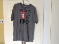 T-shirt mens medium