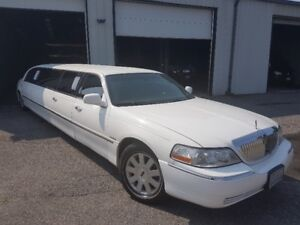 2004 Lincoln Continental Limo Stretch by Krystal Coach
