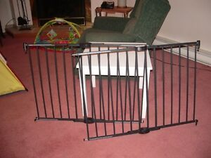 METAL SECURITY GATES MADE BY MUNCHKINS