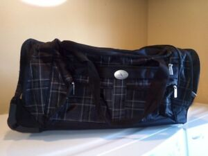 DUFFLE BAG SUITCASE