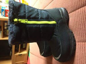 Boys winter boots size 12 - New!!