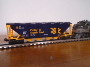 Lionel trains O gauge covered hopper Ontario Northland 6100