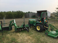John Deere 855 Compact Utility Tractor cw 3 attachments