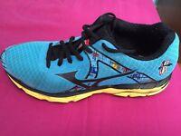 Running shoes hardly used