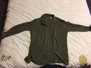 H&M Olive Green Button-Up Collared Shirt - Size 4 London Ontario image 1