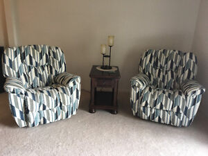 2 lay z boy recliners (2 years old)